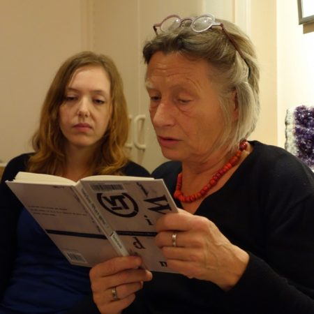 Vrouwkje lezen (3e sessie Poëziegroep)