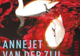 'Moord in de Bloedstraat' door Annejet van der Zijl