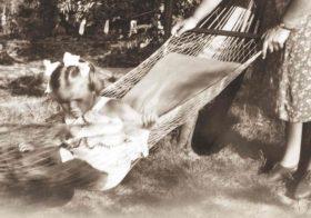 'Wilhelmina Bladergroen. Vrouw in de eeuw van het kind'  door Mineke van Essen