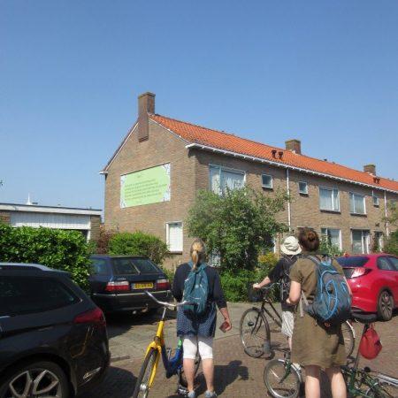 De Poëziegroep fietste langs gedichten van Ida Gerhardt en Van Geel.
