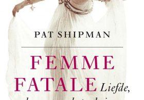 'Femme Fatale' door Pat Shipman