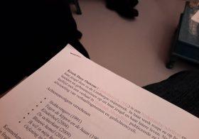 De poëziegroep las Kreek Daey Ouwens