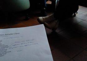 De poëziegroep las Anneke Claus